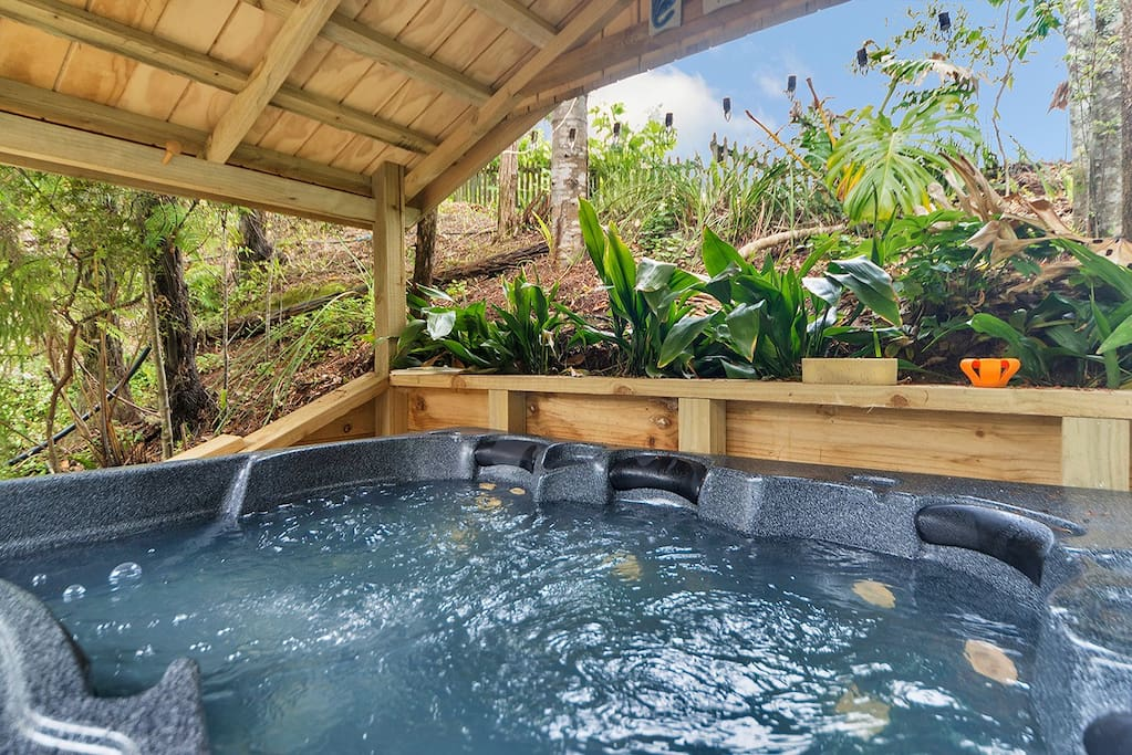 Airbnb, Puhoi