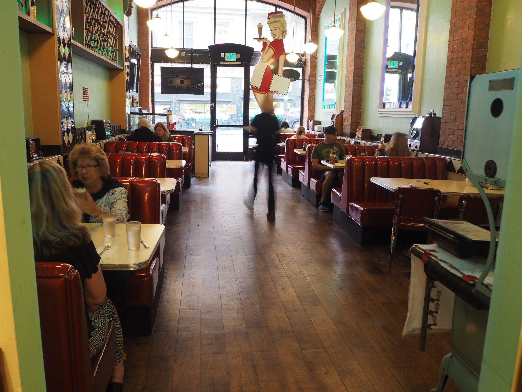 Lori's Diner, San Francisco